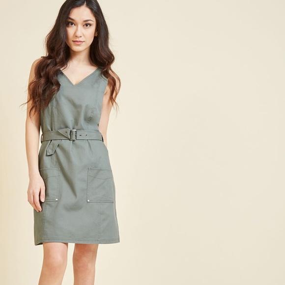 ModCloth Dresses & Skirts - Modcloth Adventure's Doorstep Sheath Dress